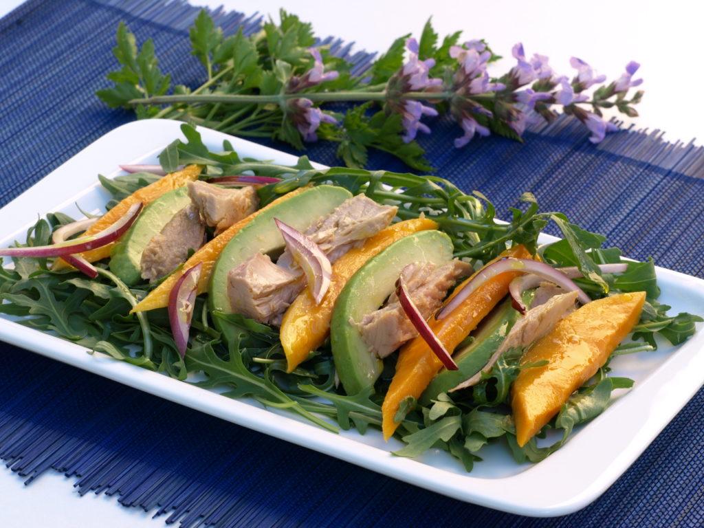 Salát zrukoly, avokáda amanga stuňákem