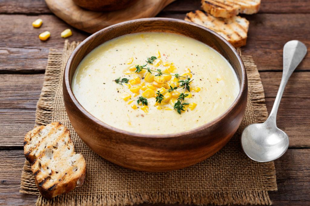 Krémová kukuřičná polévka stuňákem